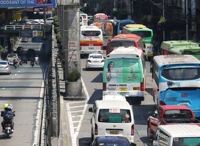The MMDA thinks to cut the number of buses in EDSA by 50 percent