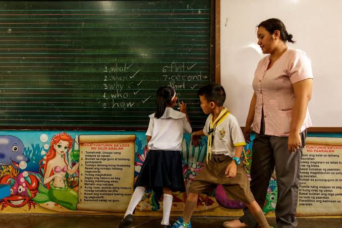 Hike in Salary of Teachers, Vowed by Duterte to happen this year