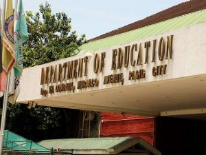 DepEd plans to release employees' salaries early